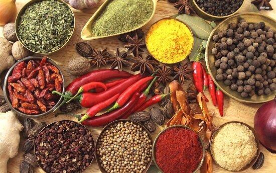 8 полезных специй и трав для здоровья